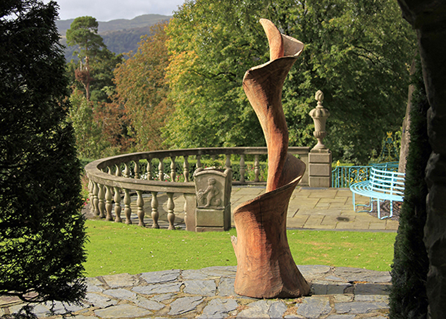 Brondanw Gardens sculpture oak art carving wood